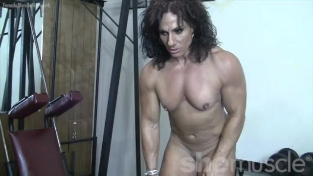 Pictures of naked beefy bodybuilders Annie rivieccio - she loves training. and getting naked.