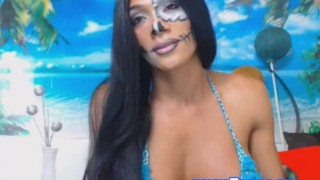 Pretty tits cam on shemale her show boobs bikini