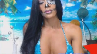 Pretty Shemale Show Her Tits On Cam Shemale tranny