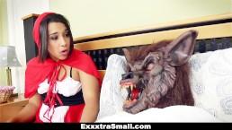 ExxxtraSmall - Kleine tiener geneukt en misleid op Halloween