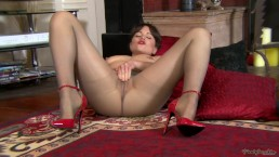 Pantyhosed4U - Lucy Love - My Hot Pantyhose Pussy