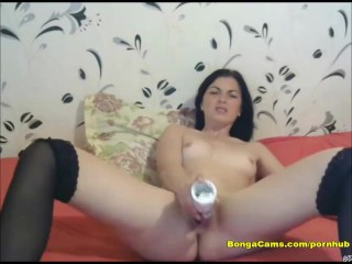 Brunette intense masturbation