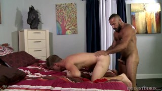 MenOver30 Bear Alessio Romero Ass Fucks Younger Hunk