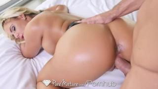 sexy women stripping off