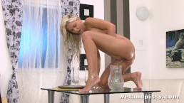 Dido angel fills her glass with pee