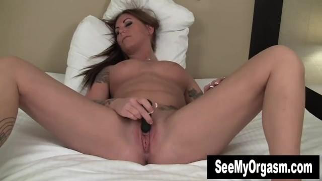 Tattooed Bella Toying Pussy 10