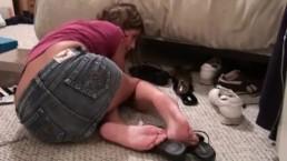 Kinky Foot Girl Kara Sole Tease