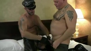 Out out rock  your cock vol with daddy leather