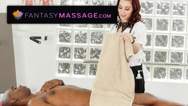 Advantages of blow jobs Masseuse takes advantage of clients big cock