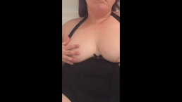 Hot BBW rubs her self while peeing