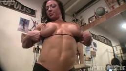 Brandimae Masturbating in the Gym