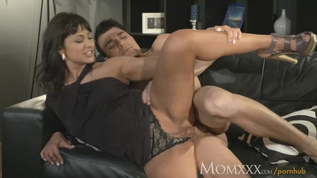 Mom Man Eater Older Woman Does What She Wants With Young -7002