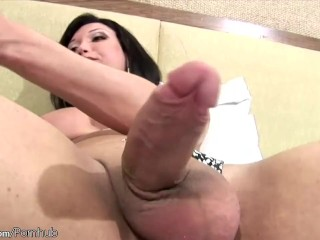 Huge tranny dick gets even bigger inside a pump toy and cums