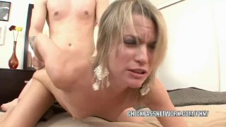 Blonde hottie Jessie Fontana gets her mature pussy pounded