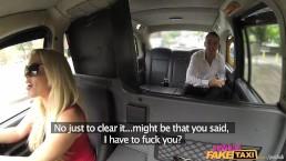 FemaleFakeTaxi - Турист ознакомился с традицией такси