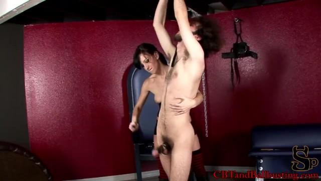 mom spanking balls -