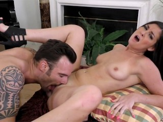 Brittany Shae loves to 69 and take loads on her face