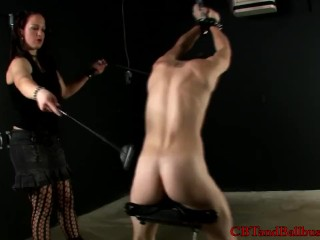 Extreme bondage and sadomasochistic sex