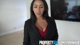 PropertySex - Vollbusige Immobilienmaklerin bietet ihrem Klient Blowjob und Sex an