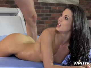 Alexa Thomas loves a golden shower before getting fucked hard