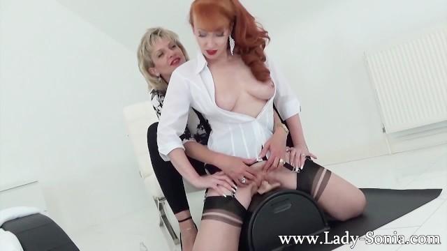 Lady Sonia sesso lesbico ragazze bagnato Pussys