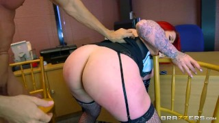 Curvy babe, Harmony Reigns gets pounded - Brazzers Tattoo babe