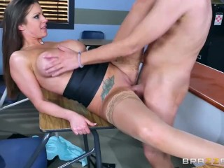 Sexy milf Brooklyn Chase teaches her student - Brazzers