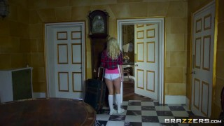 Sexy tiny teen gets a visit from the dick fairy - Brazzers
