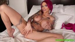 Anna Bell Peaks Solo Masturbation In Bed