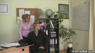 Office mature in white stockings riding his rod porno
