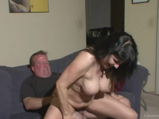 Curvy amateur brunette cougar taking it hardcore