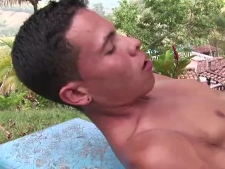 Pissing bareback Latino Action 2