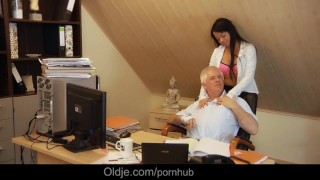 Old Nick fucks sweet girl on his bureau and jizz her cute face Female mother