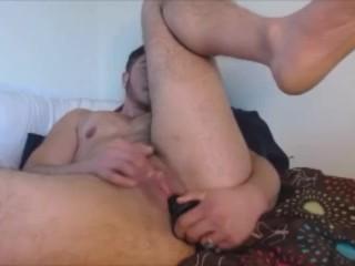 kerl-spielt-mit-klitoris