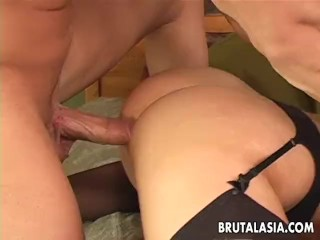 Sex bomb has an anal threesome fuck to go through