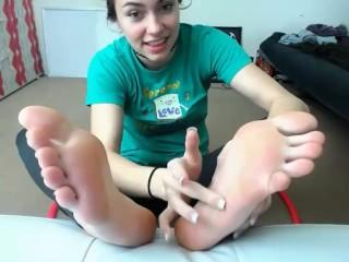 Webcam chroniclove foot show...