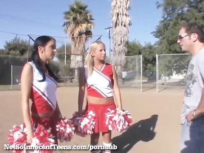 cheerleader Trio porno