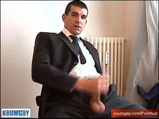 Full video: A innocent str8 guy gets serviced his big cock by a guy!