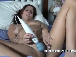 Busty MILF Lavender Rayne is making her tight twat cum