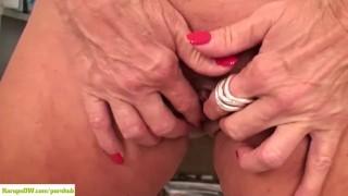 KarupsOW - Rae Hart Fingering Older Pussy