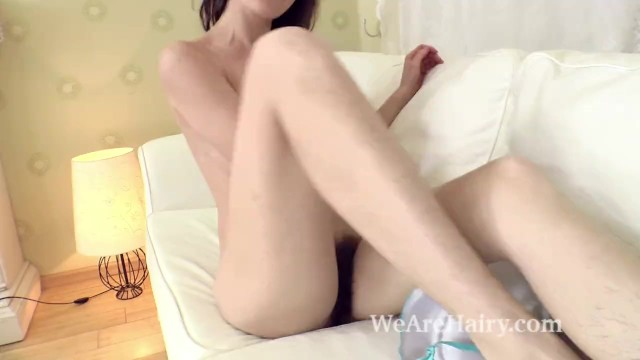 Free strip tease shows - Lisa carry strips and shows off her natural body