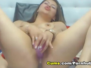 Hot Blonde Babe Toys her Pussy till she Squirts on Cam