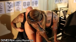 Valentien cock rides pinup big kleio babe tattoo up