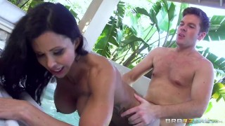 Jewels Jade gets pounded in the Jacuzzi Brazzers