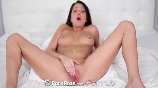 PornPros - Johnny eats Brooke Myers pretty pussy