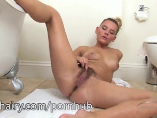 Regina washing that hairy pussy bush in the tub