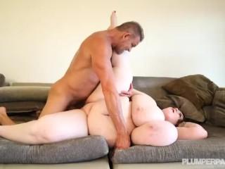 Huge Tit BBW Lexxxi Luxe Plays With Her Stepdad Tony D