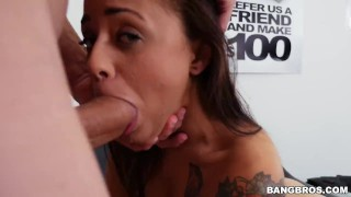 Casting with Holly Hendrix! Milf fuck