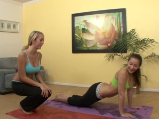 Instructor seduces her student...