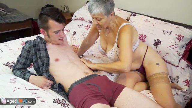 Savana naked Old lady savana fucked by student sam bourne by agedlove